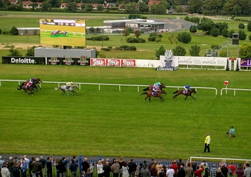 Tribal Beat winning the Ballyroan